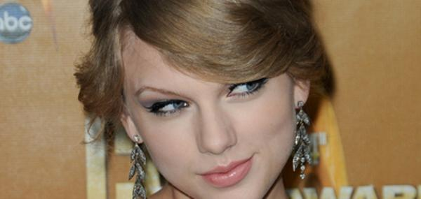 Taylor Swift celebrates Dianna Agron's birthday with her